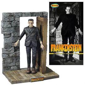 Universal Monsters Frankenstein 1:8 Scale Model Ki