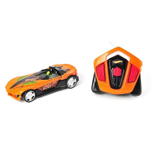 Hot Wheels R/C Nitro Charger Yur So Fast